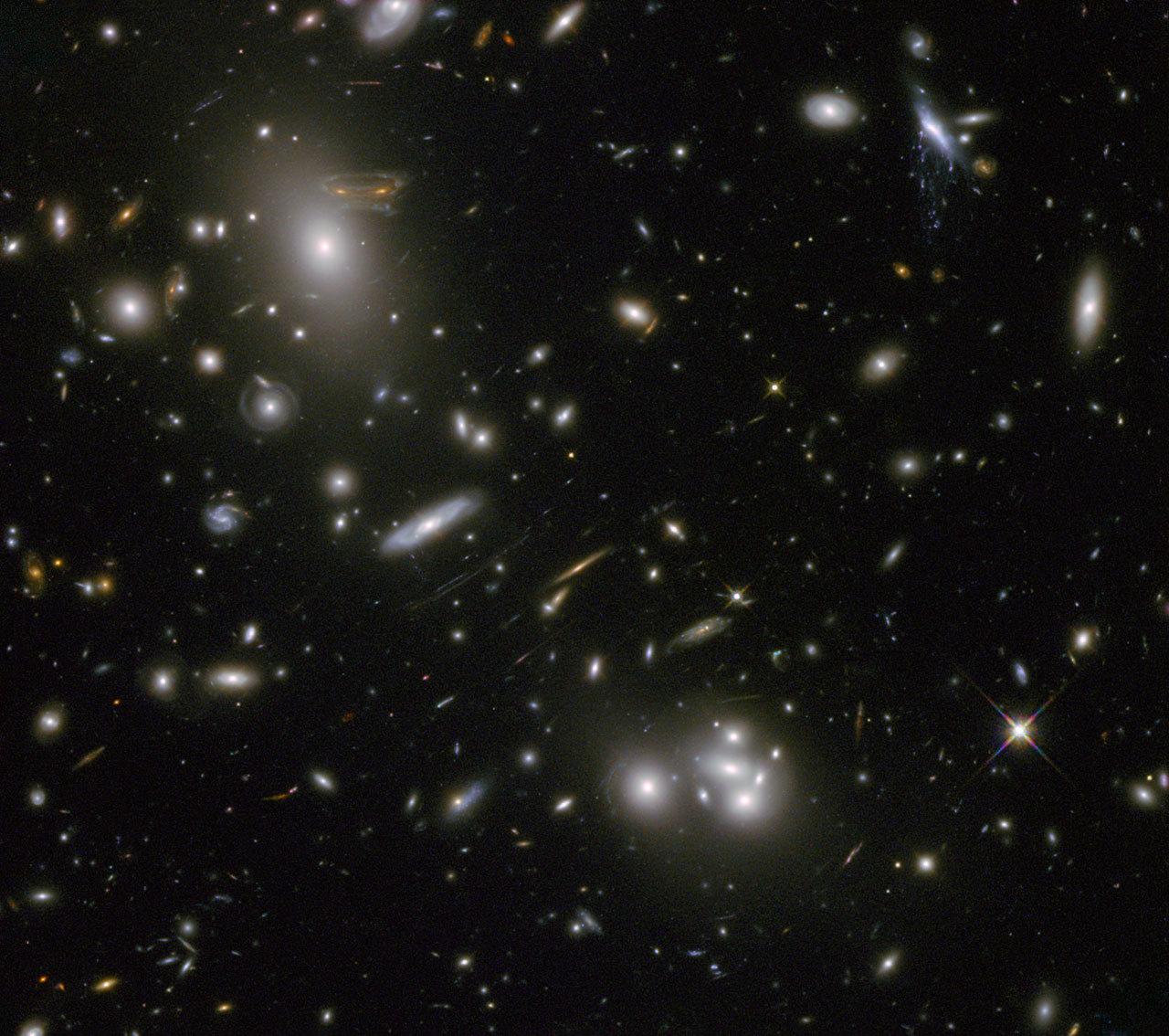 Galaxienhaufen Abell 68