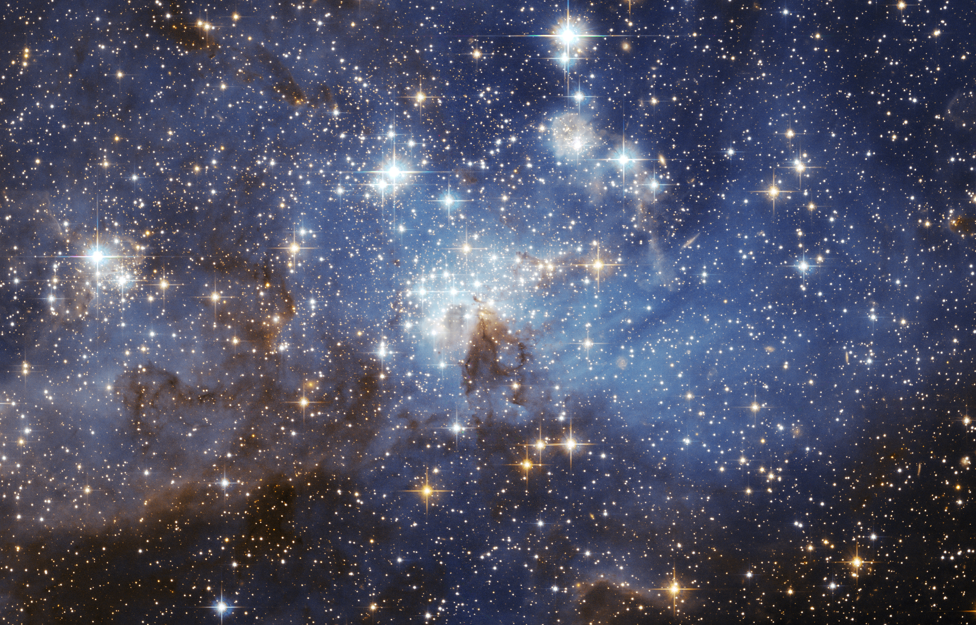 3 163 LH-95 LMC Hubble